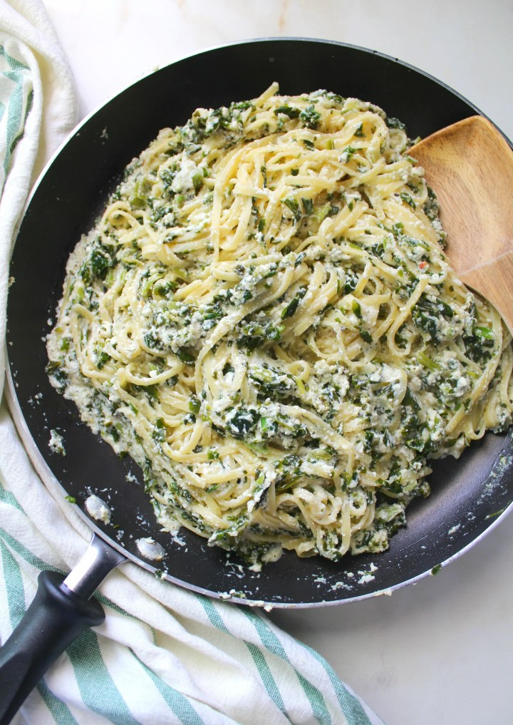 When you're craving pasta this Simple Vegan Ricotta & Spinach Linguine will hit the spot. It requires 20 minutes and one pot to get the job done | ThisSavoryVegan.com #vegan #pasta