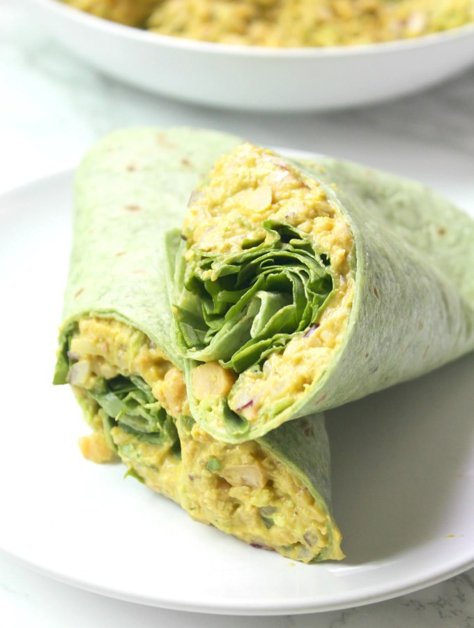 Perfect vegan lunch or quick dinner - theseSmashed Chickpea Salad Wraps require no cooking and are totally delicious. Easy to make and even easier to eat   ThisSavoryVegan.com #thissavoryvegan #mealprep #backtoschool