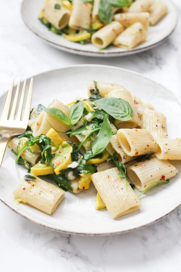 A delicious combo of vegan butter, summer squash, garlic and fresh basil make this Vegan Summer Squash Rigatoni an instant hit and easy dinner | ThisSavoryVegan.com #thissavoryvegan #onepotmeal #veganpasta
