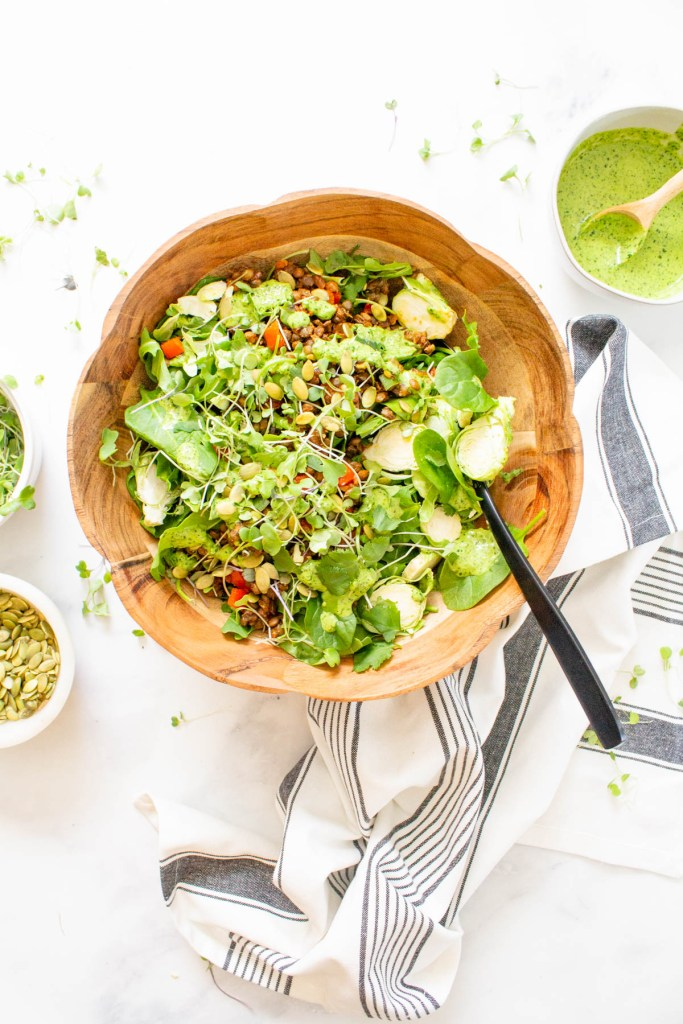 This Super Green Vegan Taco Salad is healthy, flavorful and packed with 4 kinds of greens, seasoned lentils and jalapeño cilantro dressing | ThisSavoryVegan.com #thissavoryvegan #vegan #tacosalad