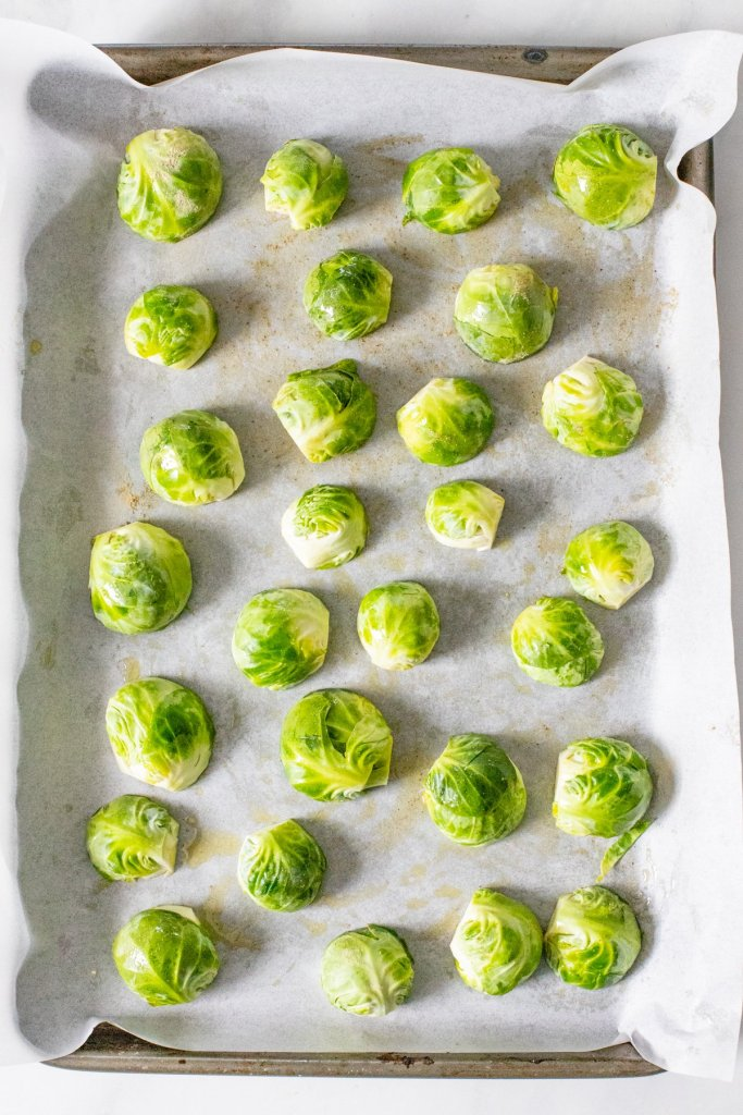 If you think you don't like brussels sprouts, think again - these Roasted Brussels Sprouts with Sichuan Aioli are crispy, salty & savory | ThisSavoryVegan.com #thissavoryvegan #brusselssprouts #sichuan