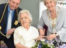 Mena Larkin with the Mayor of South Tyneside, Councillor Alan Smith, and the Mayoress, Councillor Moira Smith