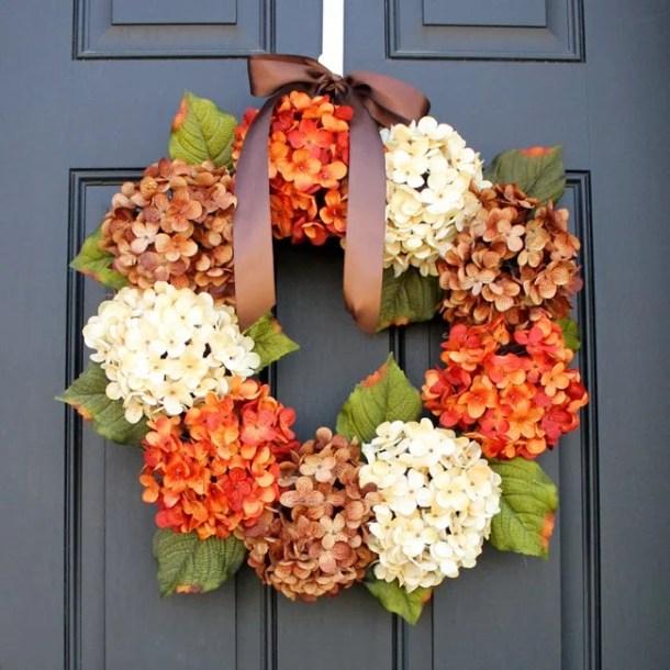 15 Great DIY Fall Farmhouse Wreaths