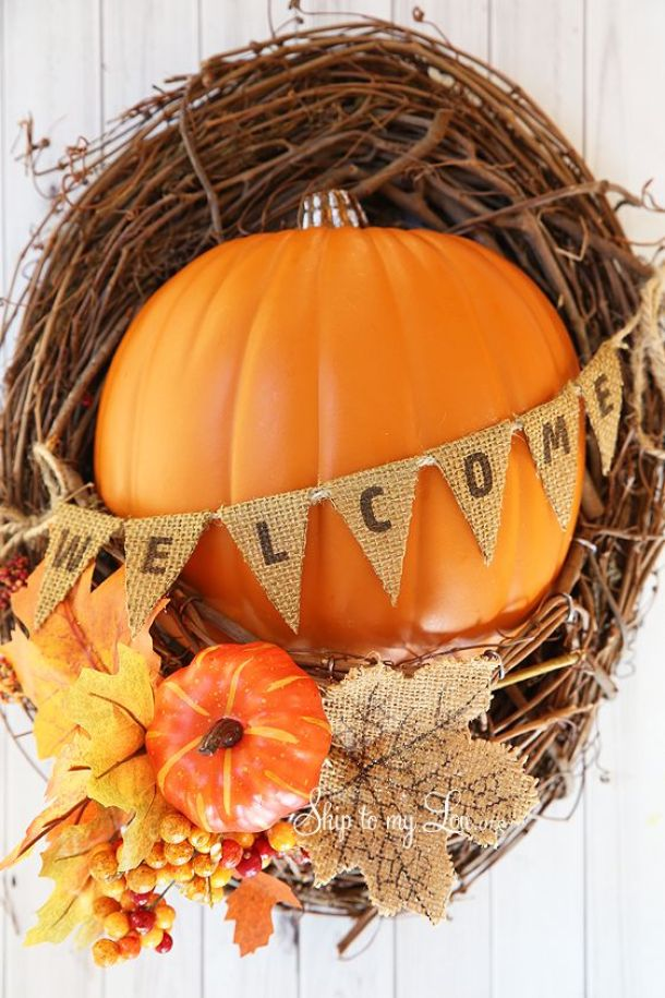 15 Farmhouse and Rustic DIY Thanksgiving Wreaths