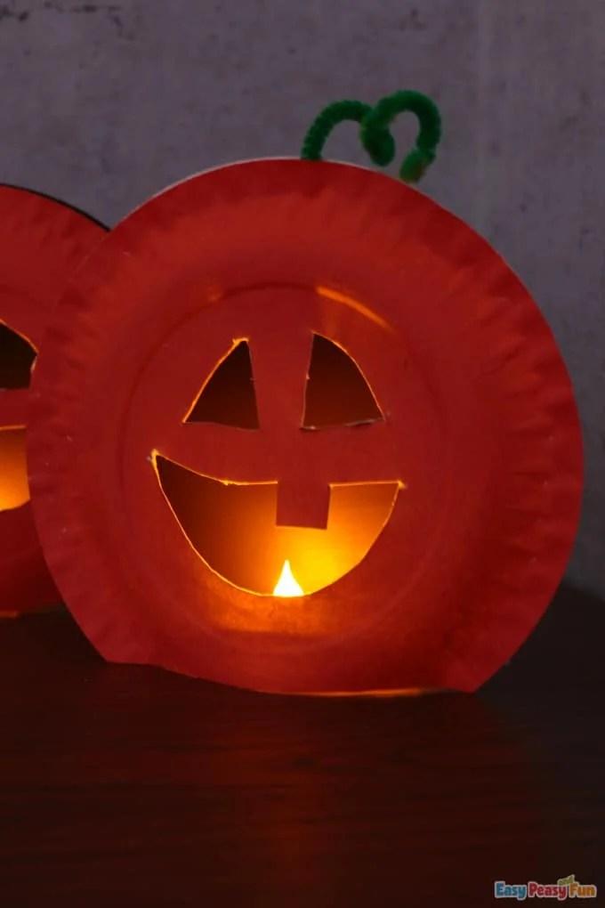 paper plate Jack-O-Lantern craft