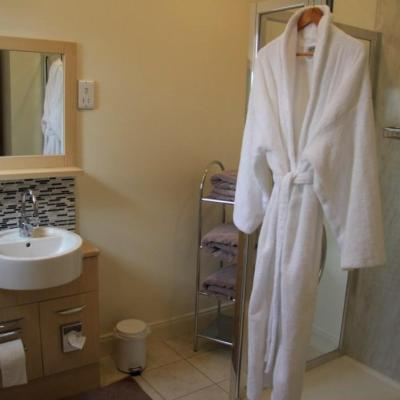 Room 3 - Capercaille. Ensuite