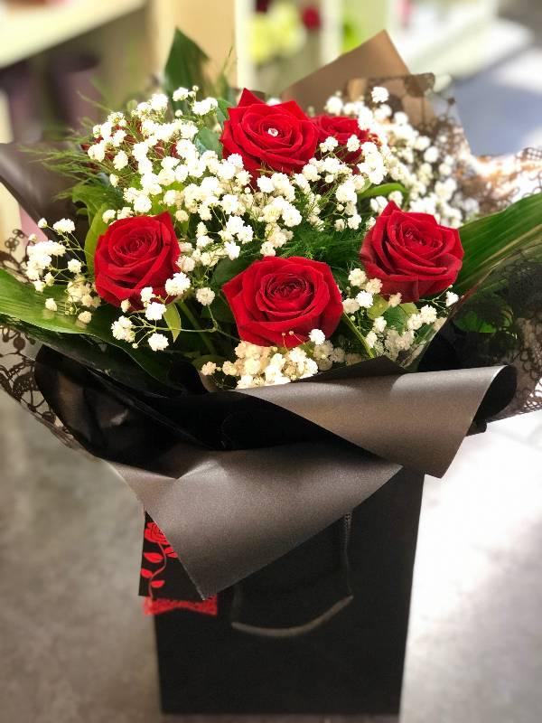 6 red rose aqua