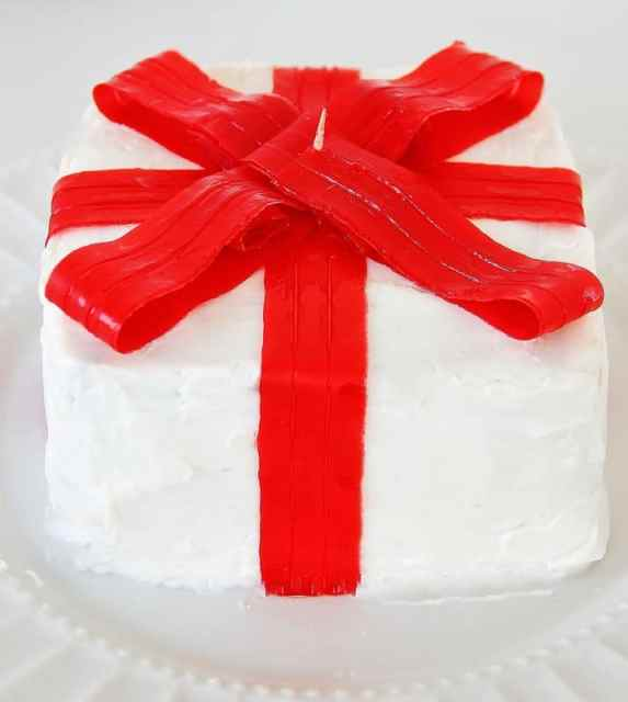 Ribbons on Cake