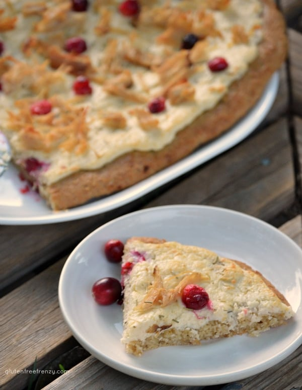 White Cream Turkey & Cranberry Pizza {Gluten-Free} Great to use Thanksgiving leftovers!