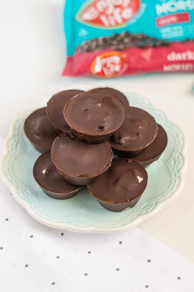 We are loving these dairy-free peppermint patties because they are so easy to make and everyone loves them!n    This Vivacious Life #dairyfree #peppermint #chocolate #peppermintpatties #thisvivaciouslife