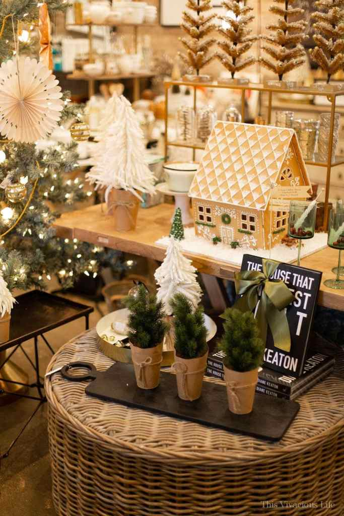 Cozy Holiday Party | how to host a Christmas party || This Vivacious Life #holidayparty #christmasparty #partyideas #thisvivaciouslife