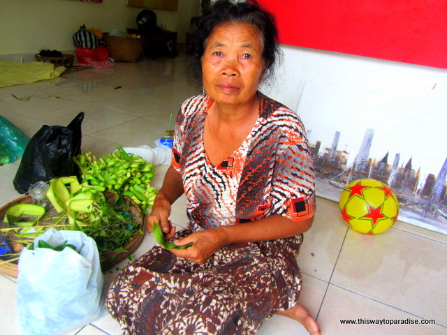Nyoman Suarsa's mother how to paint class Ubud, Bali