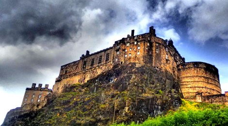 5 Reasons Why You Need To Book A Flight To Edinburgh Right Now