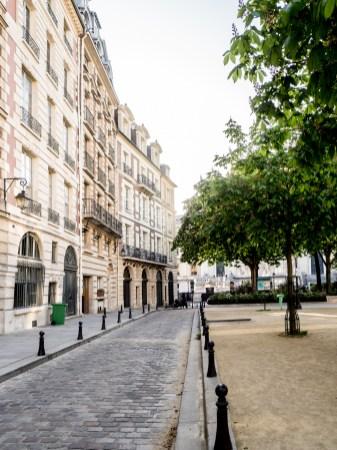 www.thomas-adorff.de   Paris - Place Dauphine