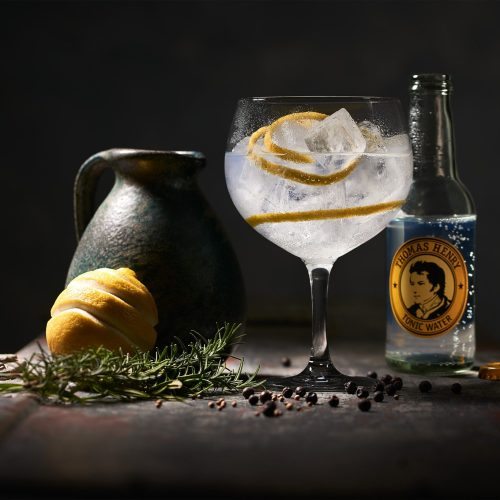 TH_Moodbild_mit_Flasche_tonic_water