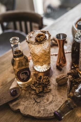 Der Winter-Drink Black Kev mit Thomas Henry Ginger Ale