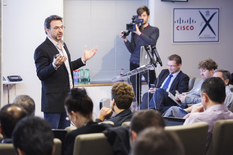 Mark Townsley (Cisco) presenting the research at Cisco Paris Innovarion and Research Laboratory (#PIRL)