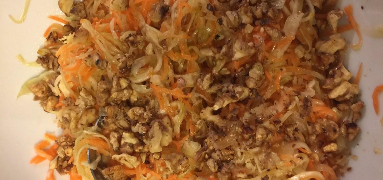 Krautsalat mit Feigen und Orangensaft