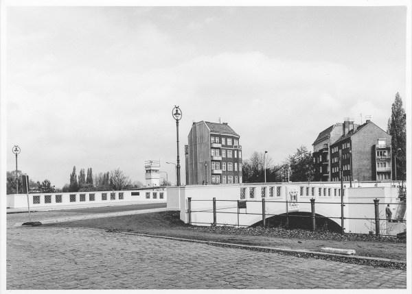 an der Lohmühlenbrücke, Berlin 1990