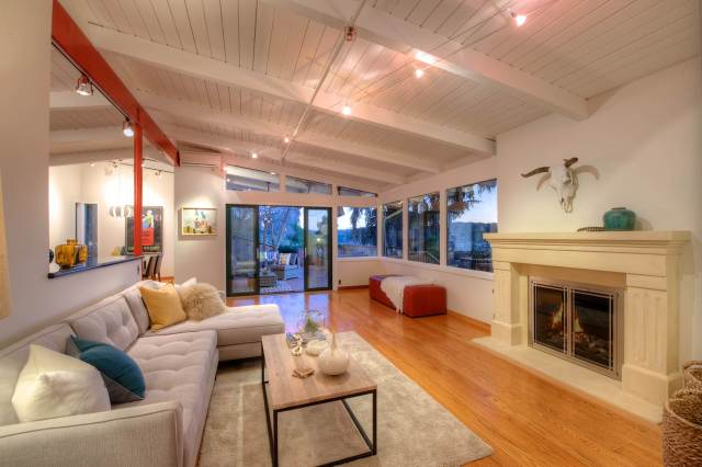 Living Room Photo at 60 Deer Park Ave San Rafael Sold by Thomas Henthorne