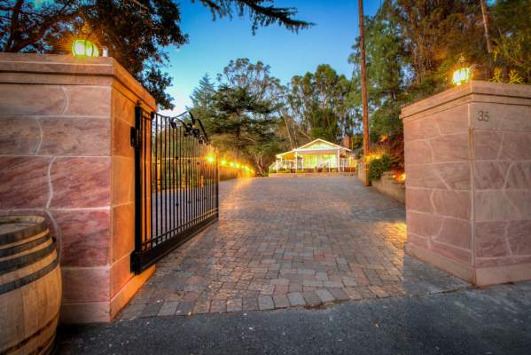 35 West Seaview Ave San Rafael gated entrance with house in distance