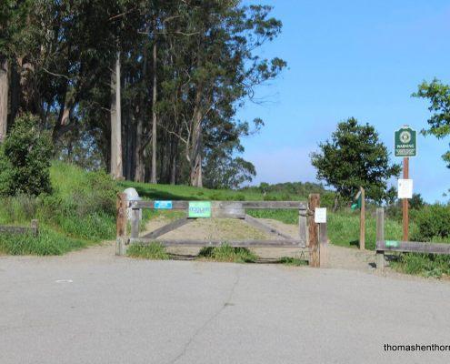photo of entrance to Ridgewood Trail