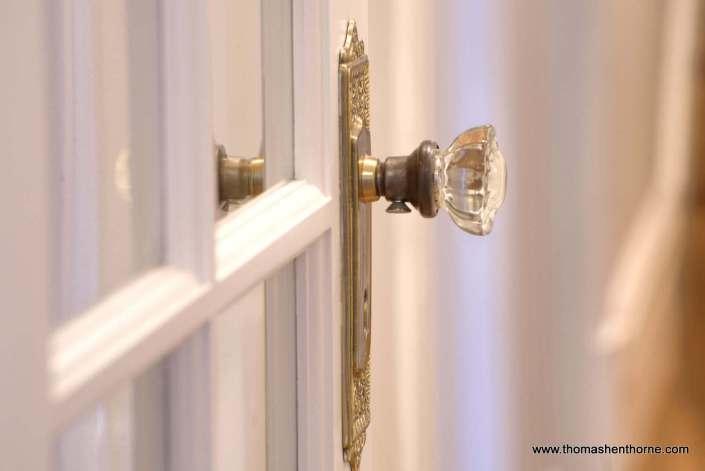 close up ofvintage glass door knob