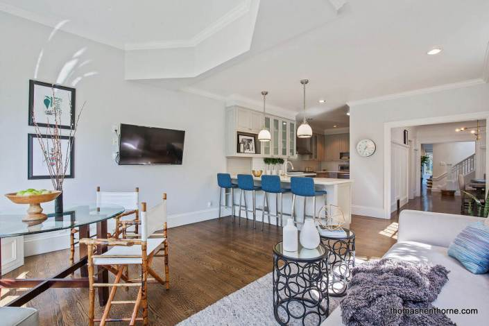 Open Concept family room / kitchen