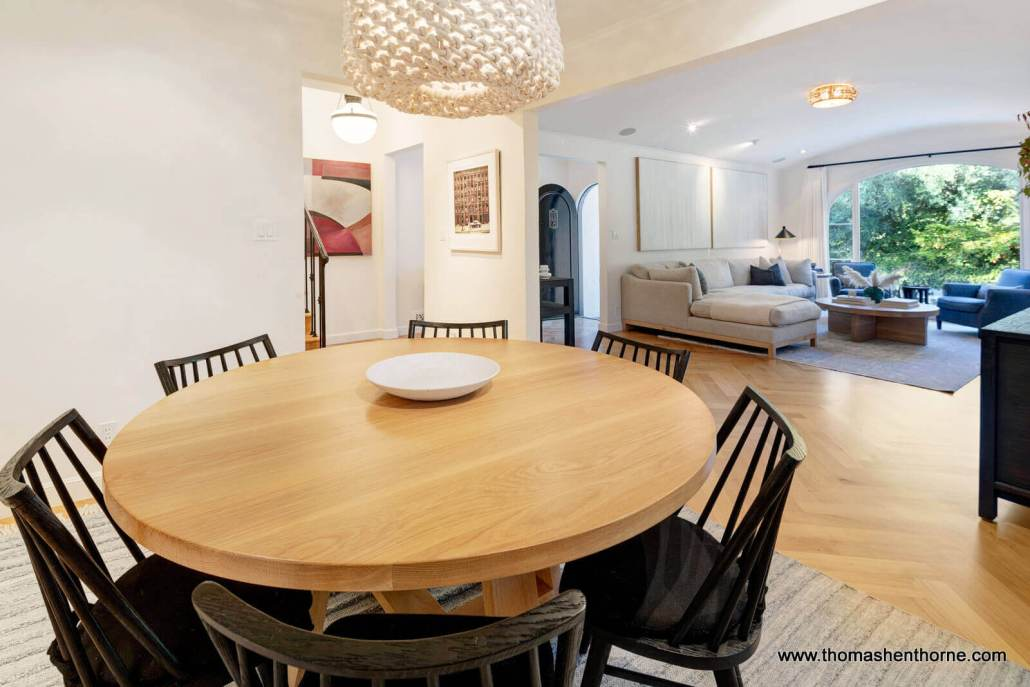 round dining table with light fixture
