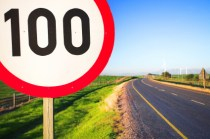 Road sign for speed limit (istockphoto.com)