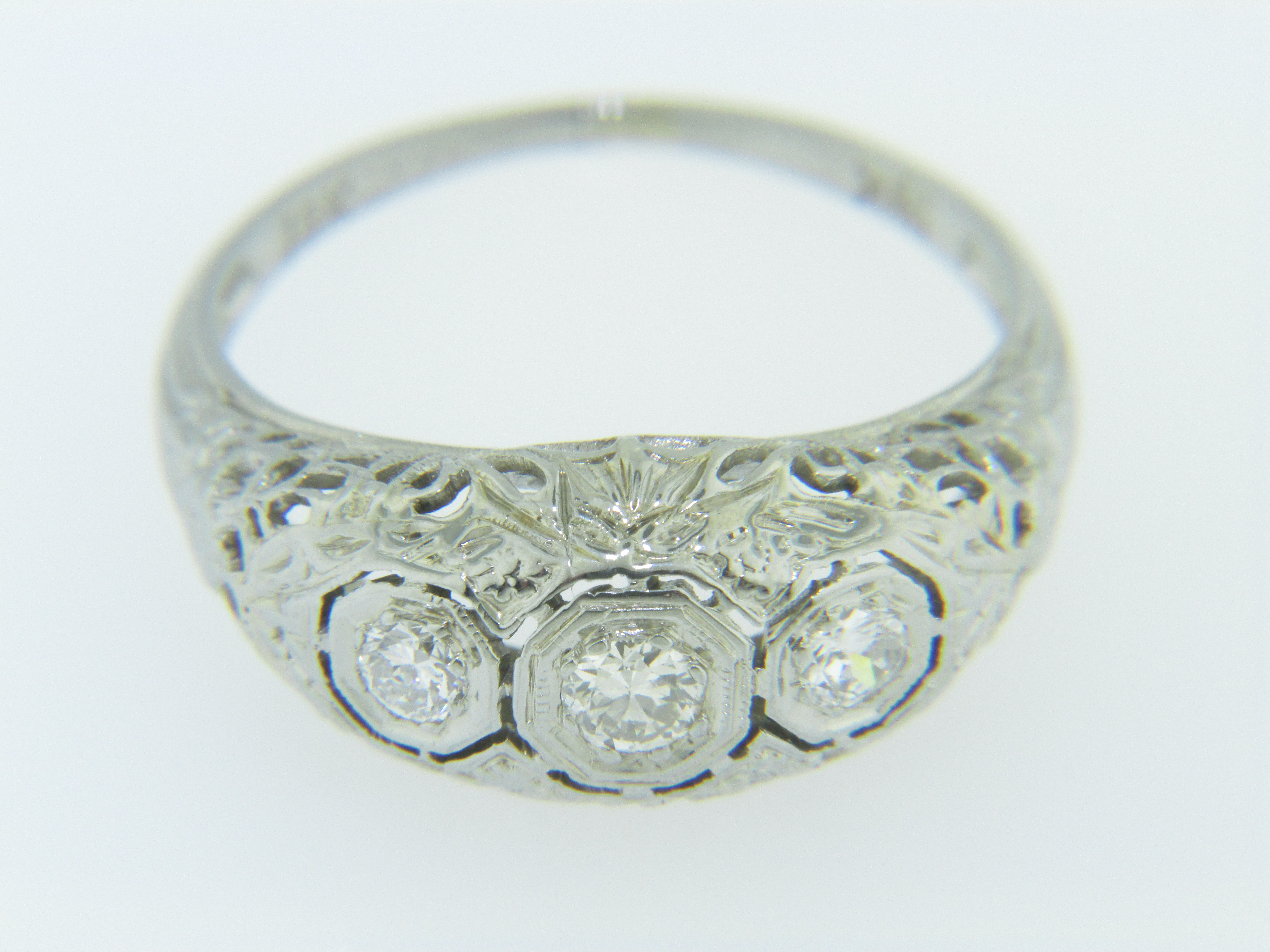 Antique Three Stone Ring Best 2000 Antique Decor Ideas