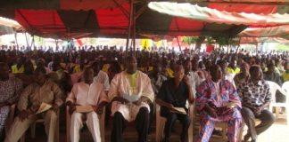 En attente de l'ouverture du meeting (photo Amidou Kabré)