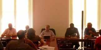 De gauche à droite, Roland Muzeau, Odile Biyidi Awala, Noël Mamère, Benewendé Sankara et Bruno Jaffré