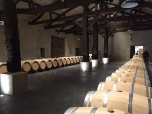 Le rouge haut de gamme (Côtes de Bergerac AOC) est élevé en fûts de chêne français.