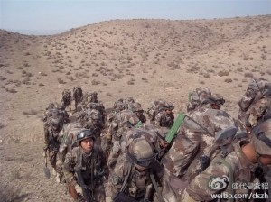 Chinese_troops_desert.2