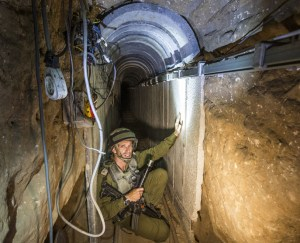 Hamas_attack_tunnel