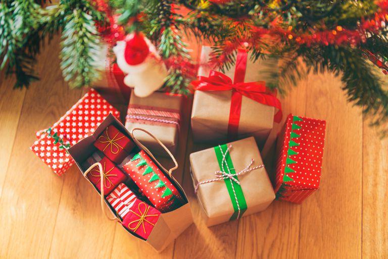 fantasy christmas shopping lesson