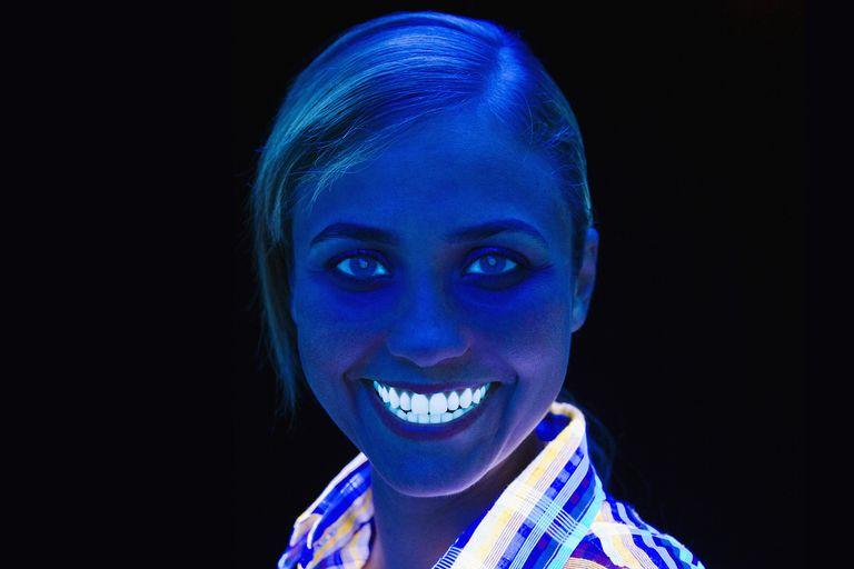16 Things That Glow Under Black Light Ultraviolet Light