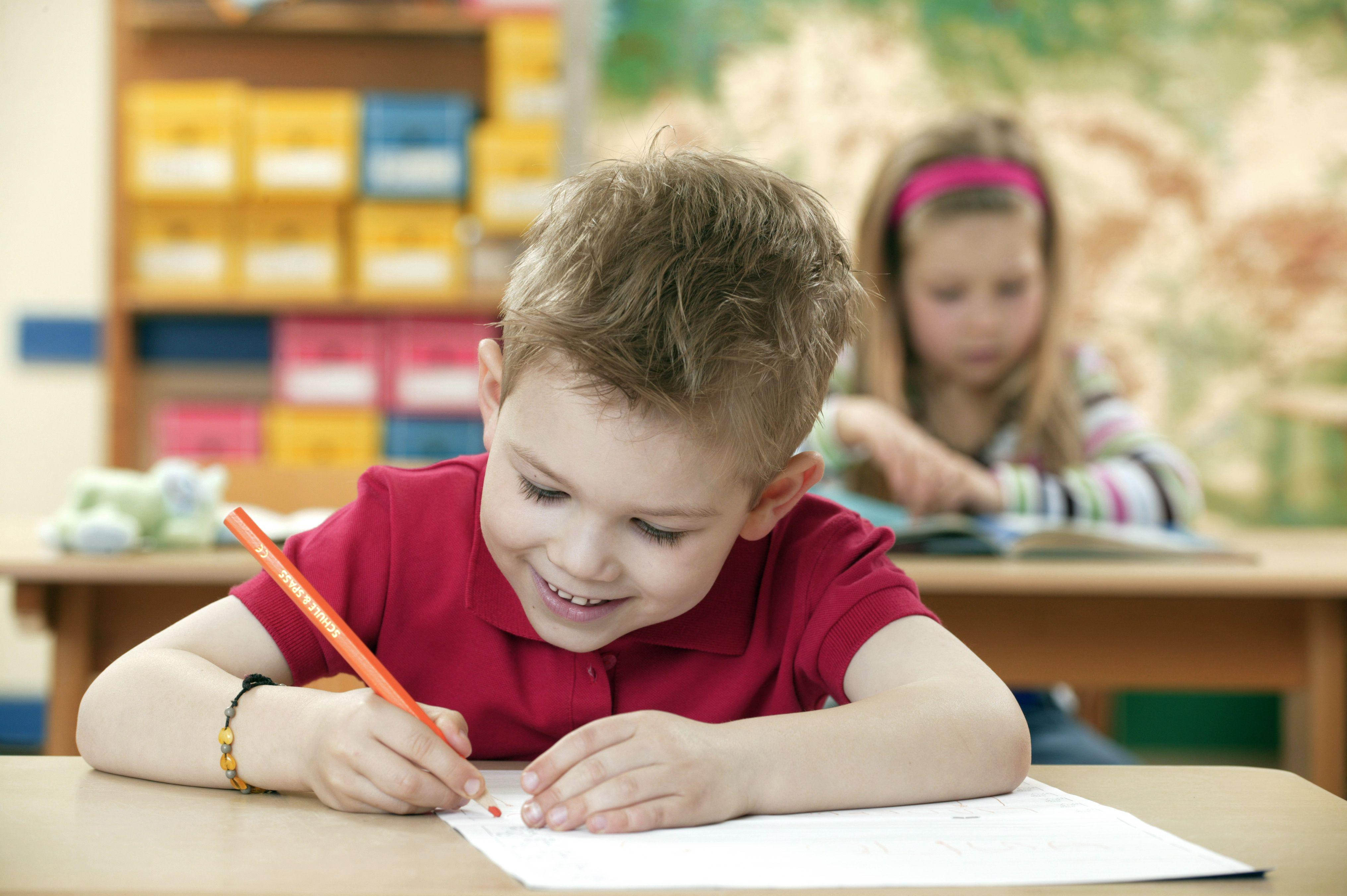 Rainbow Writing Lesson Plan For Kindergarten