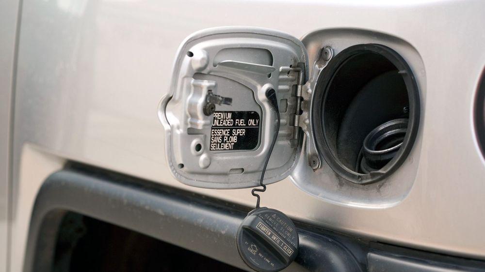 medium resolution of 2008 cr v fuel filter location