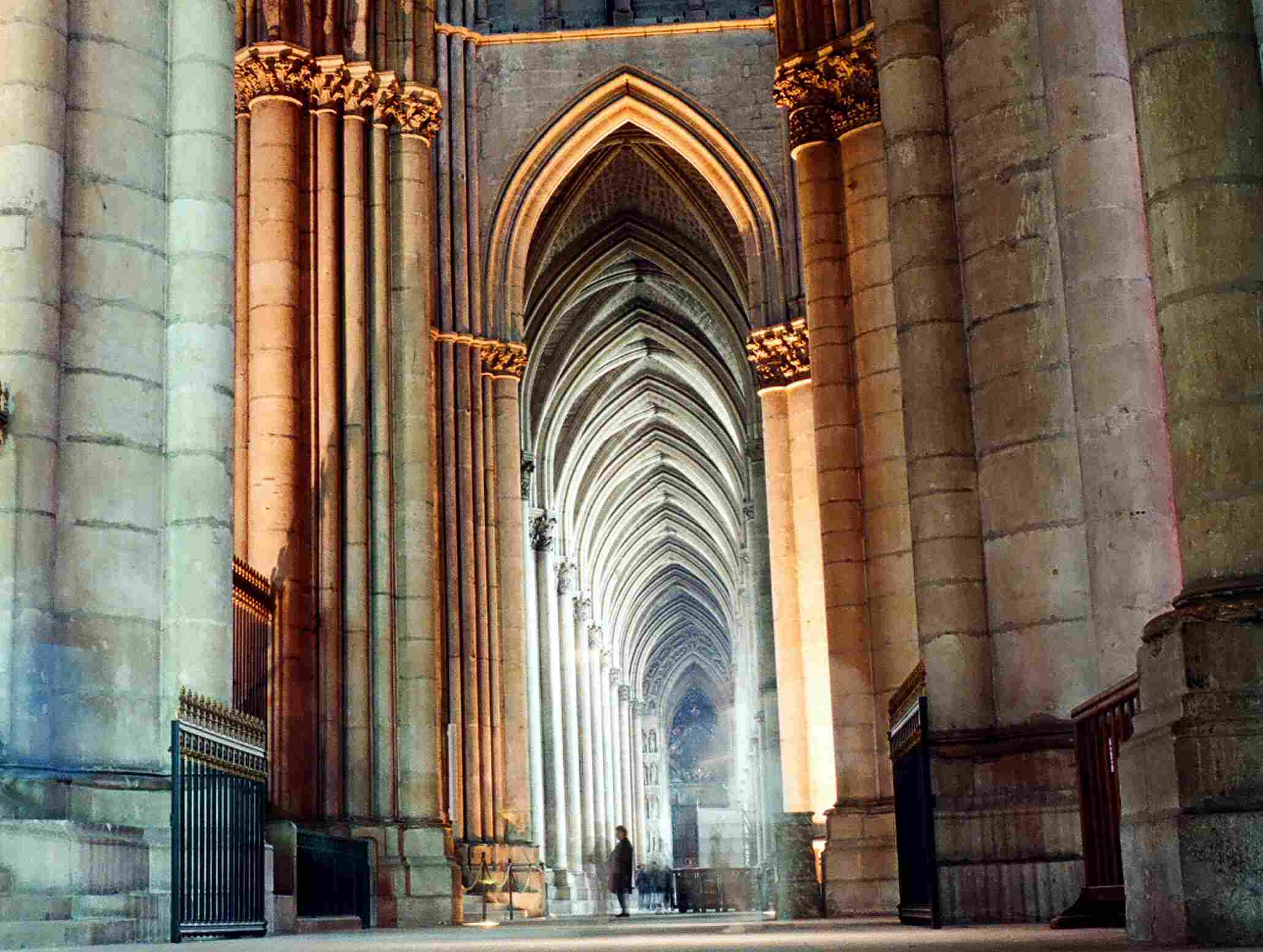cathedral architecture gothic arches diagram 2006 chevy impala engine what ideas transformed medieval buildings reims notre dame de 12th 13th century pointed