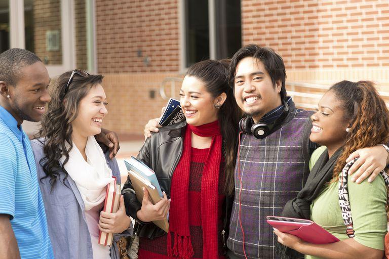 CollegeStudents_1500.jpg
