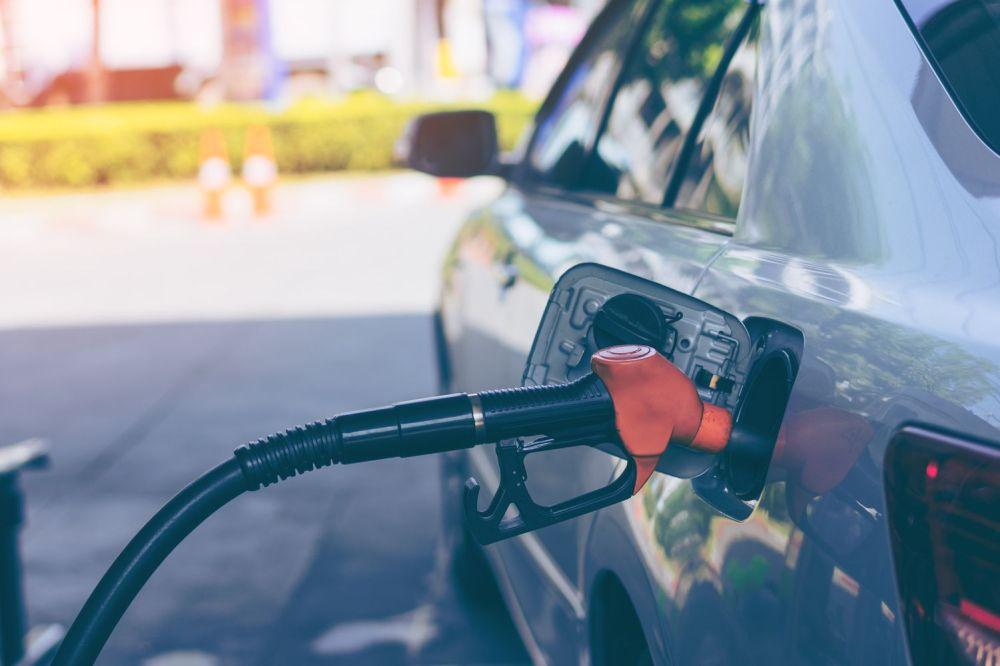 medium resolution of fueling a car