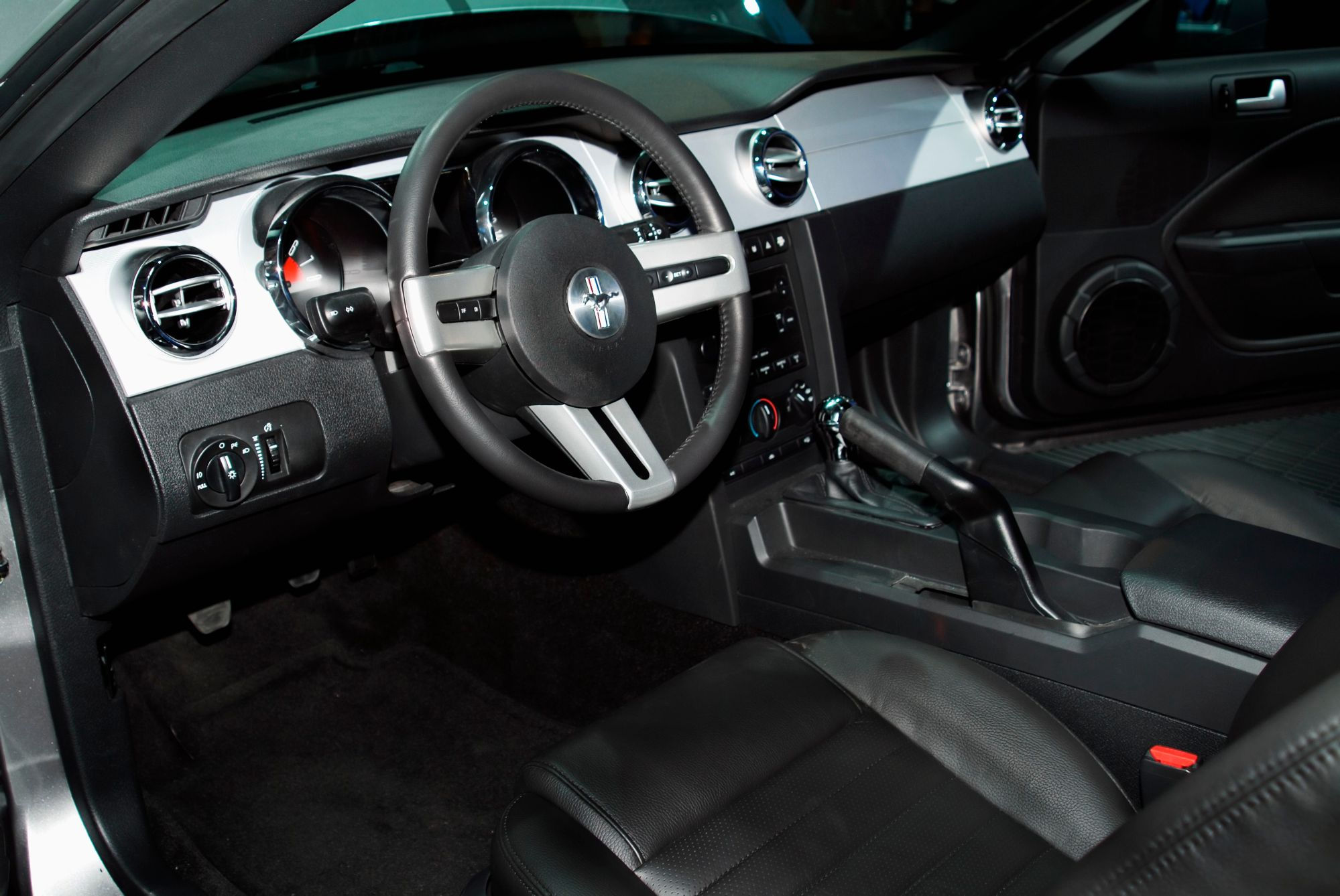 hight resolution of 2004 ford mustang gt interior