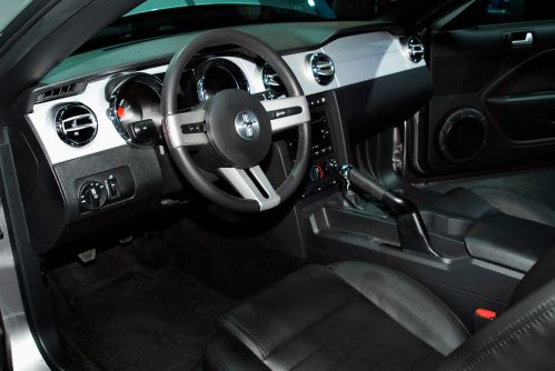 small resolution of 2004 ford mustang gt interior