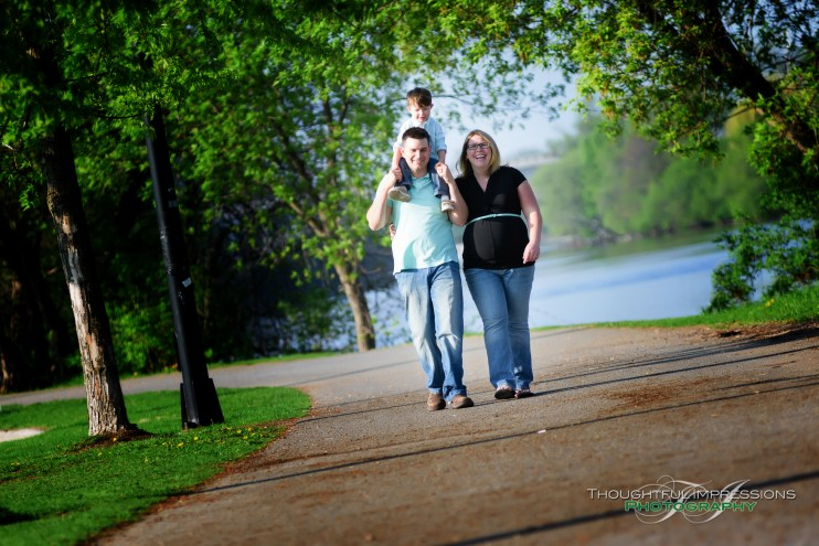 An outdoor maternity / family session in Peterborough