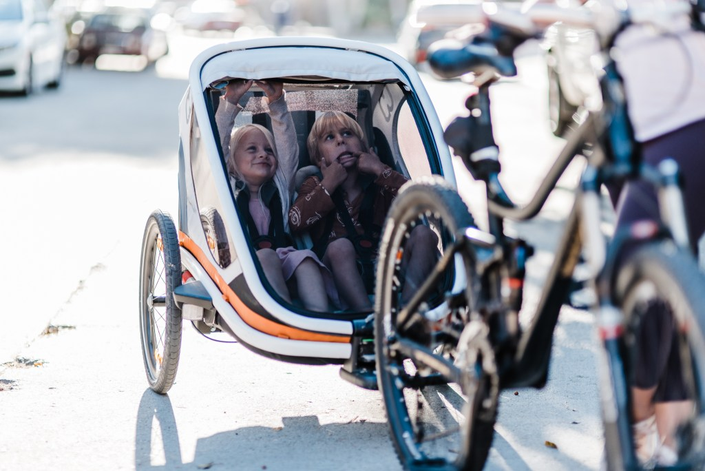 BIKING WITH KIDS | CHOOSING A TRAILER | THOUGHTS BY BRANDI.COM-2