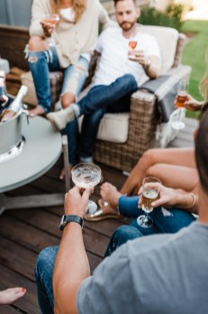 We Drink Bubbles   Lifestyle Business Branding Session   thoughtsbybrandi.com