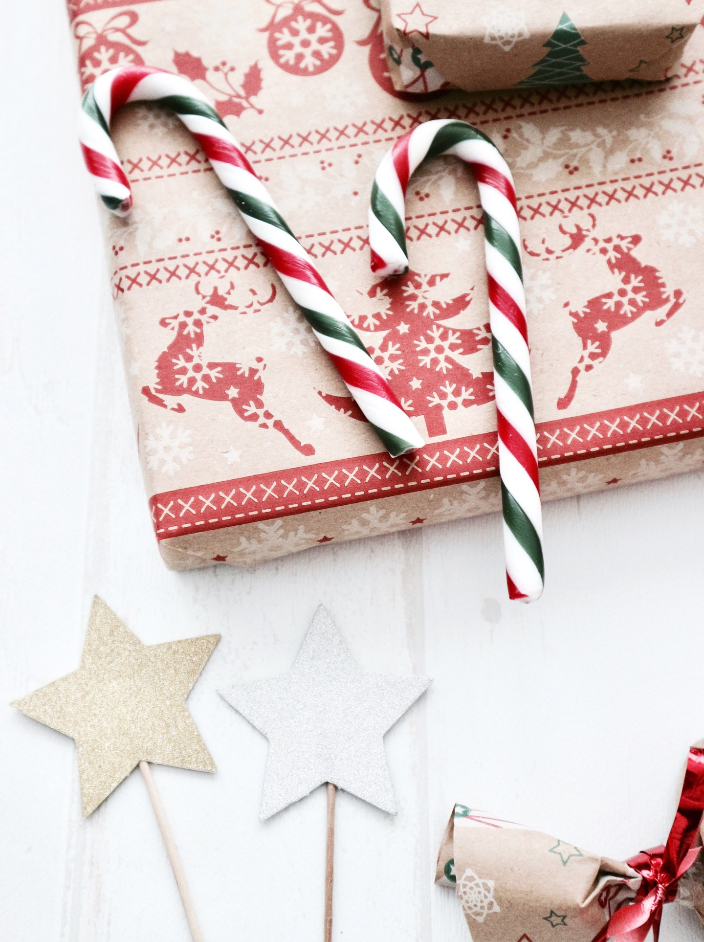 Giving Gifts Is The Best Thing There Is | Gift Guide: Christmas