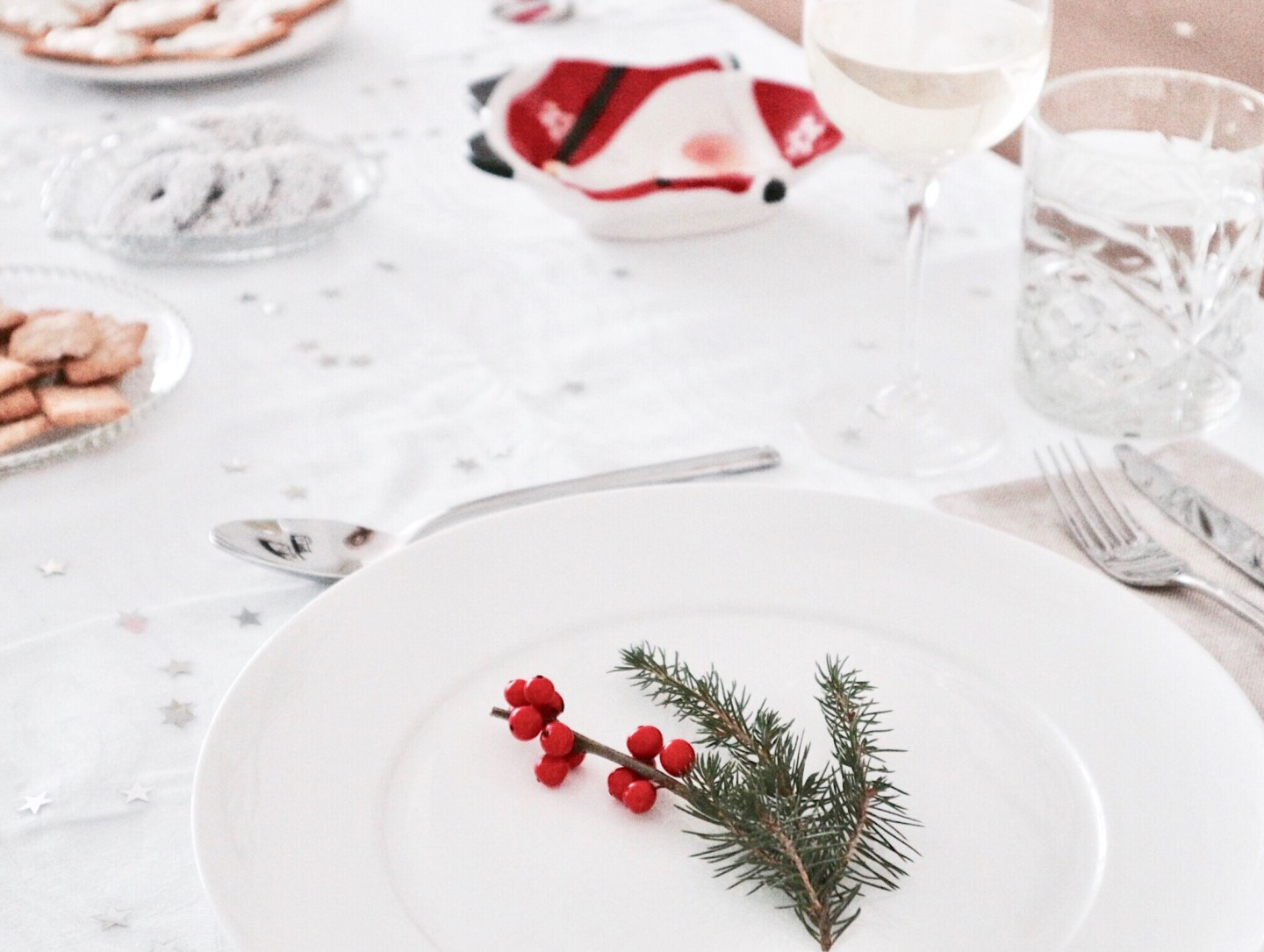 All Is Calm, All Is Bright | Christmas Dinner Table Decor